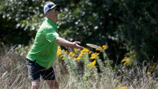 Schultz Narrowly Leads After US Masters Opening Day